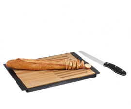 Kitchen Artist Bread cutting board. With knife